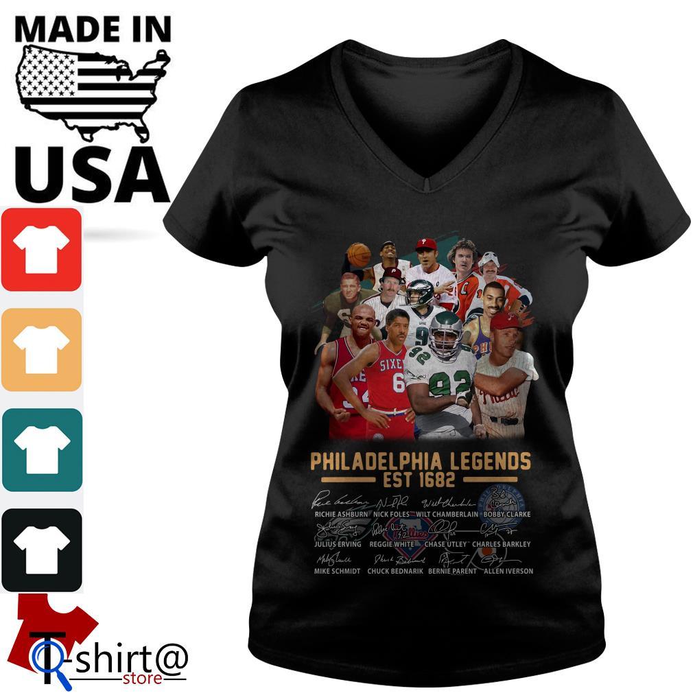 Philadelphia legends est 1682 signature V-neck t-shirt